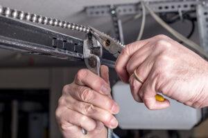 garage door fixing company